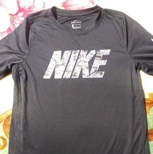 Nike long sleeve dri fit shirt